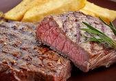 "Постер, картина, фотообои ""grilled beef steak"""