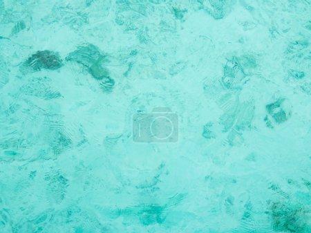 Photo pour Parfait sable blanc eau turquoise - image libre de droit