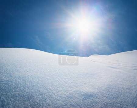 Photo pour Snow Hills. Composition de la nature . - image libre de droit
