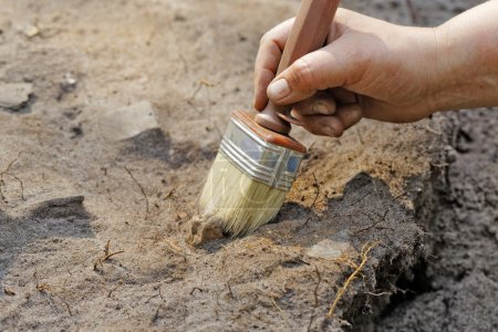 Archaeology: a thin layer stripping.One of the sta...