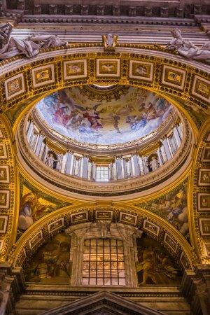 Photo pour Basilique Saint Pierre, Place Saint Pierre, Cité du Vatican. Intérieur intérieur - image libre de droit