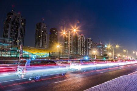 Photo pour Dubai Dowtown à ngiht, Émirats arabes unis - image libre de droit