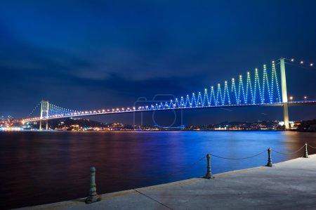 Photo pour Pont à Istanbul via Basfor - image libre de droit
