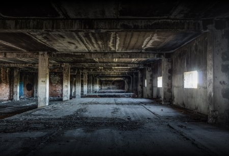 stary-opuszczony-budynek