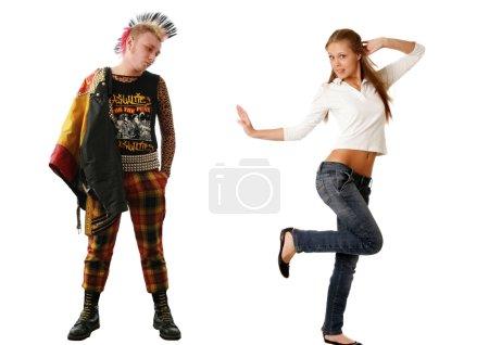 Punk et blonde jeune femme