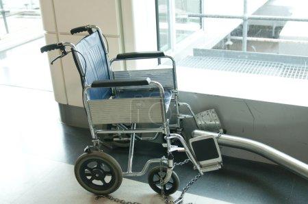 Photo pour Chaise non valide - image libre de droit