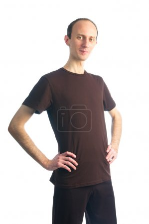 Tall thin man in brown t-shirt