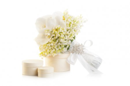 Bridal bouquet with present boxes