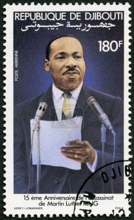 Photo pour Djibouti - vers 1983 : un timbre imprimé en République de djibouti montre martin luther king jr. (1929-68), chef de droits civiques, vers 1983 - image libre de droit