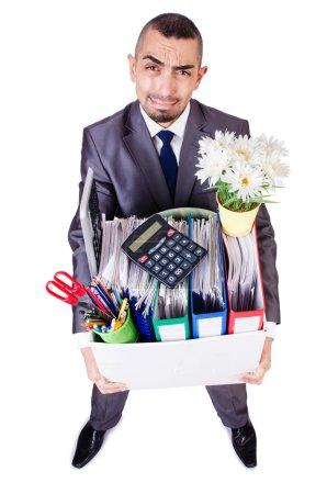 Photo pour Un homme viré avec une boîte de trucs personnels - image libre de droit
