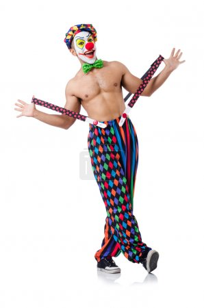 Photo pour Drôle clown posant, souriant, regardant caméra isolé sur blanc - image libre de droit