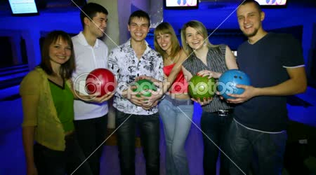 Six friends stay with balls in bowling club