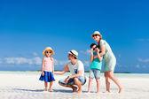 famille en vacances d'été