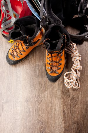 Photo pour Sac à dos et chaussures sacs à dos - image libre de droit