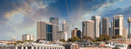 Photo pour Gratte-ciels du port de Sydney à Port Jackson - Australie - image libre de droit