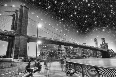 Wonderful view of Brooklyn Bridge and Manhattan skyline