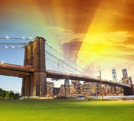 Stunning sunset over Brooklyn Bridge