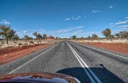 Photo pour Couleurs hivernales de la route Outback, Territoire du Nord - Australie . - image libre de droit