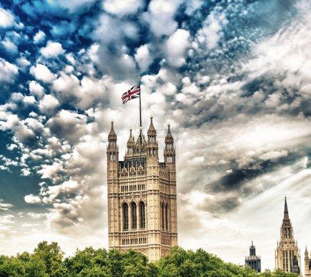 Photo pour L'abbaye de Westminster et entourant gardens à Londres. - image libre de droit