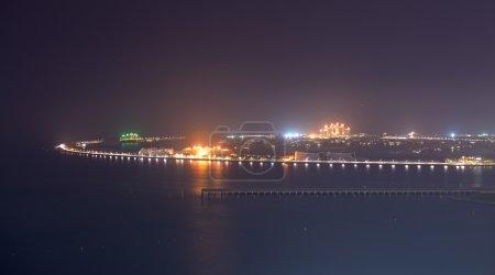 Découvre sur l'île artificielle de palm jumeirah en éclairage de nuit, dub