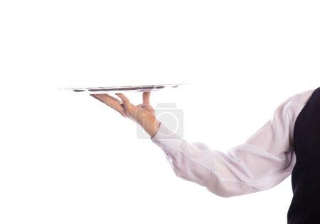 Kellner mit leerem Tablett