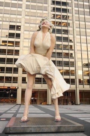 Статуя Мерилин Монро в