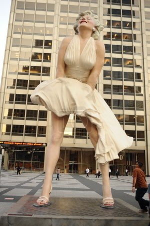 Statue of Marilyn Monroe in Chicago