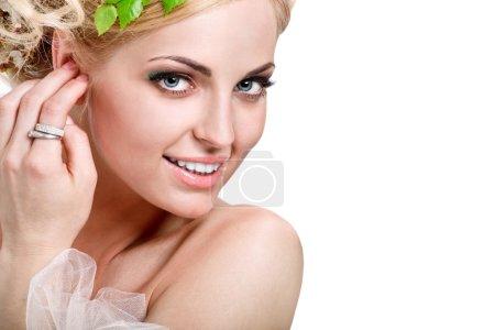 Photo pour Portrait sensuel d'une femme printemps, beau visage. - image libre de droit
