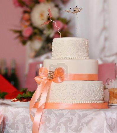 Photo pour Gâteau de mariage - image libre de droit