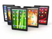 Gruppo di digital tablet pc con sfondi schermo diverso