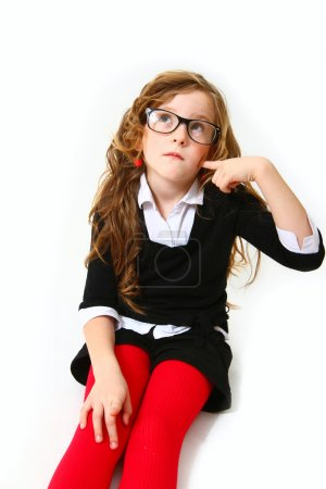 Foto de Retrato de muchacha de negocios con gafas que pensando - Imagen libre de derechos