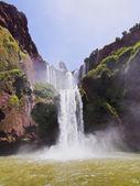 Městě Ouzoud vodopády v Maroku