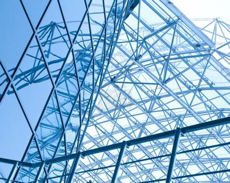Photo pour Reflet texturé à l'intérieur aéroport spacieux contemporain - image libre de droit