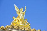 Zlatá socha v opeře garnier, Paříž, Francie