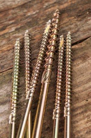 Metal nailscrews
