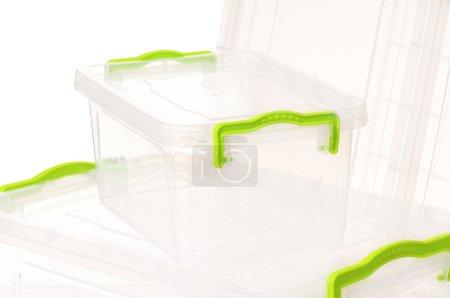 Photo pour Récipient en plastique pour les aliments, isolé sur fond blanc - image libre de droit