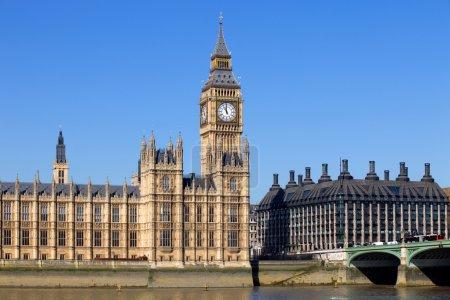 Photo pour Vue Londres, Big Ben, Parlement, pont et rivière Tamise - image libre de droit