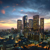 Los angeles downtown al tramonto, california