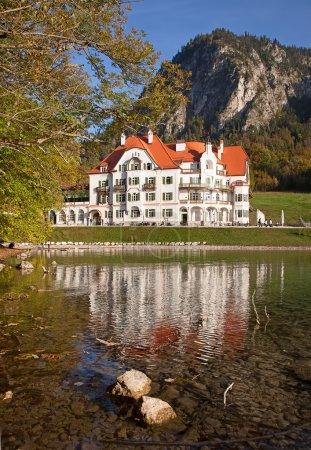 Lac près de Château de neuschwanstein