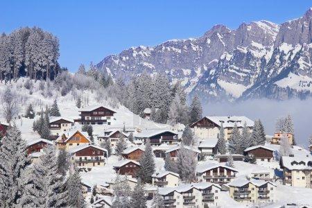 Photo pour Hiver dans les Alpes suisses, Suisse - image libre de droit