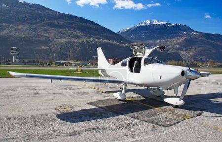 small training aircraft