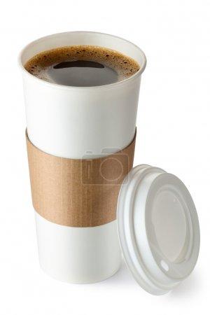 Photo pour Café à emporter a ouvert avec porte-gobelet. isolé sur un blanc. - image libre de droit