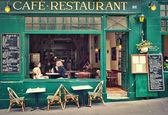 Typische Pariser café
