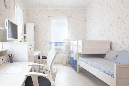 Photo pour Intérieur moderne de la chambre d'enfant à Sunligh - image libre de droit