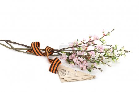 Flowers with George ribbon and old letters