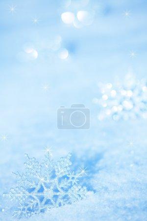 Photo pour Fond d'hiver. Flocons de neige sur neige - image libre de droit