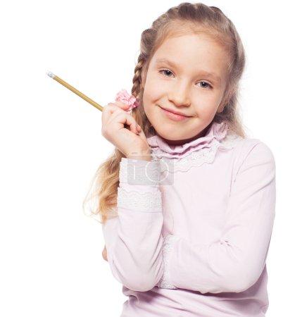 Photo pour Pensant fille isolée sur blanc. Écolier élémentaire - image libre de droit
