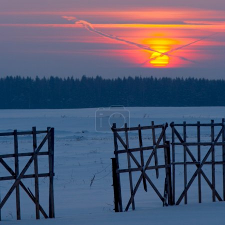 Intersections, sunset, fence and winter