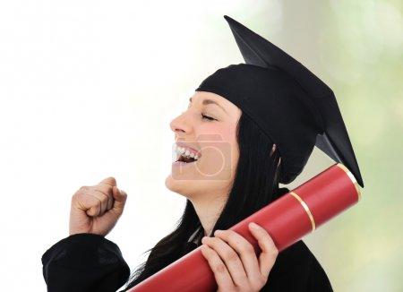 Photo pour Diplômée gloire et fierté, heureuse femme avec diplôme dans les mains - image libre de droit