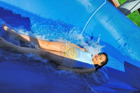 Photo pour Sur une belle piscine, été grand temps ! - image libre de droit